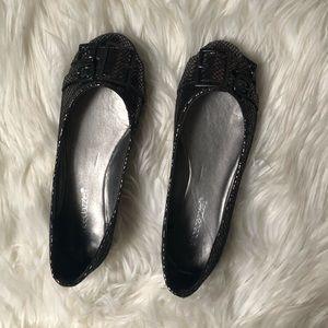Women's shoe dazzle flats size 6